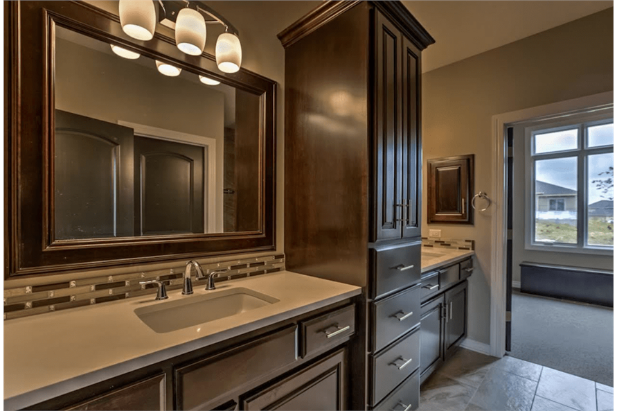 100-1071: Home Interior Photograph-Master Bathroom