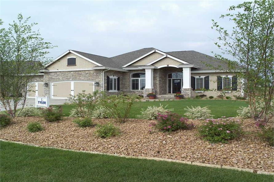 101-1336: Home Exterior Photograph-Landscaping