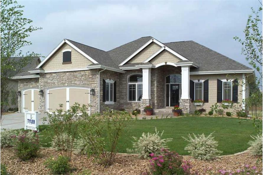 Color photograph of Traditional home plan (ThePlanCollection: House Plan #101-1336)