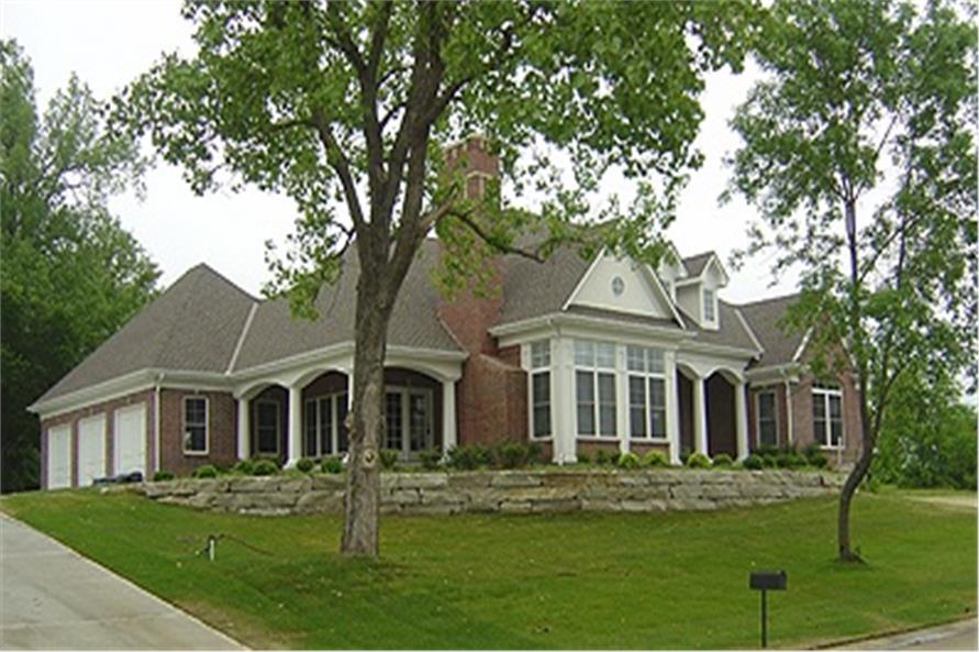 101-1454: Home Exterior Photograph left