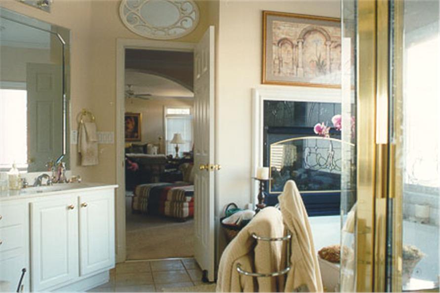 104-1018: Home Interior Photograph-Bathroom