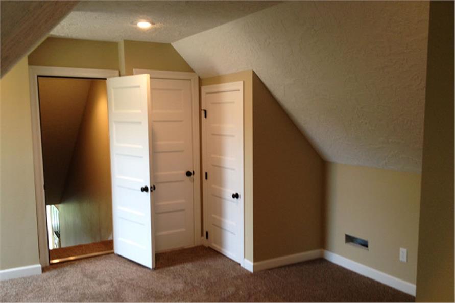 104-1029: Home Interior Photograph
