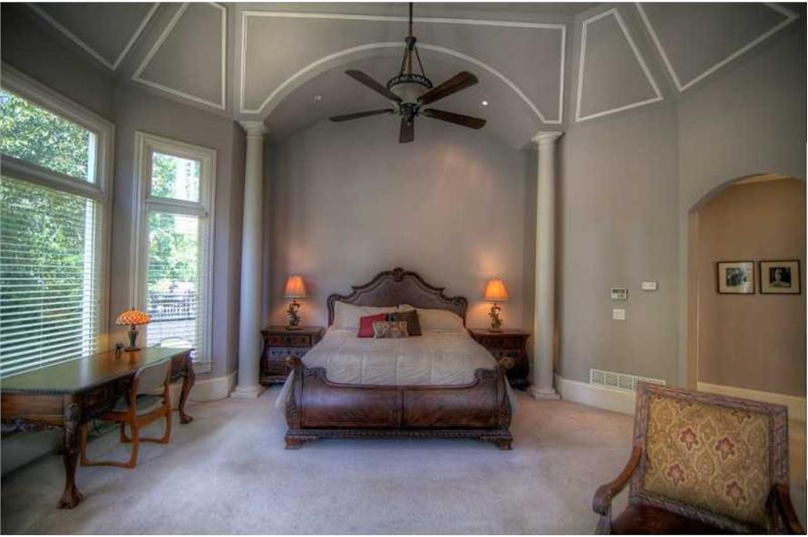 106-1167: Home Interior Photograph