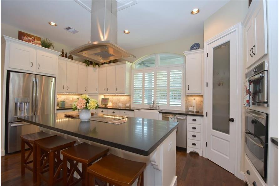 106-1274: Home Interior Photograph-Kitchen: Pantry