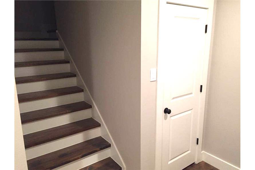 106-1313: Home Interior Photograph-Entry Hall: Staircase