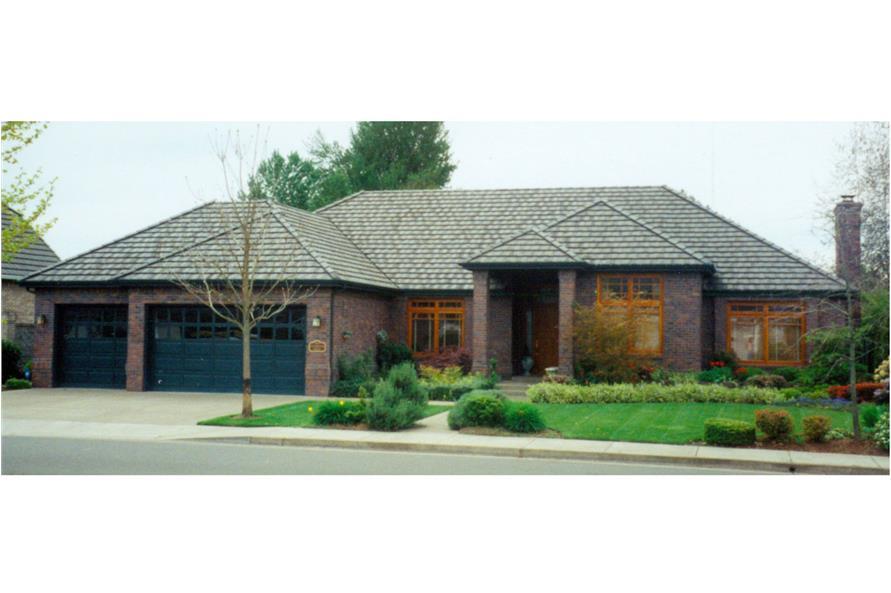 108-1185: Home Exterior Photograph