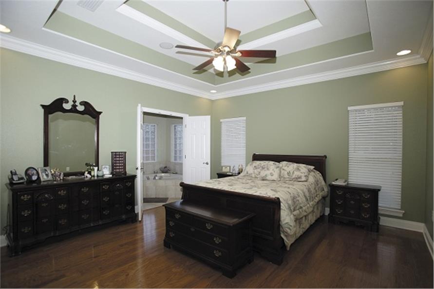 109-1086 house plan master bedroom