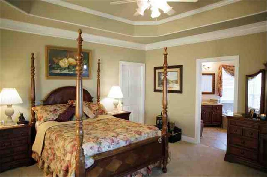 109-1112 house plan master bedroom