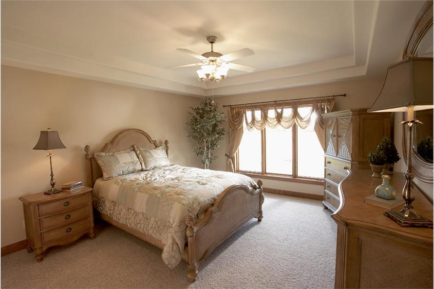 120-1029 bedroom