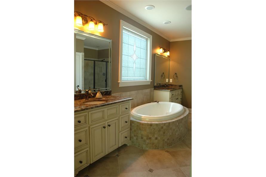 Master bath 120-2176