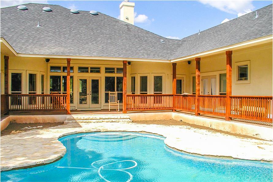 136-1037: Home Exterior Photograph-Pool