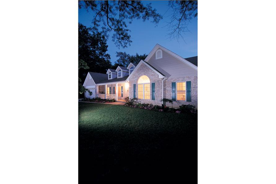 138-1041: Home Exterior Photograph