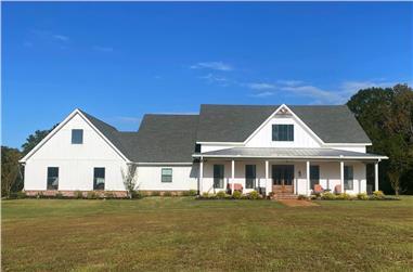 3-Bedroom, 3013 Sq Ft Farmhouse Home - Plan #140-1107 - Main Exterior