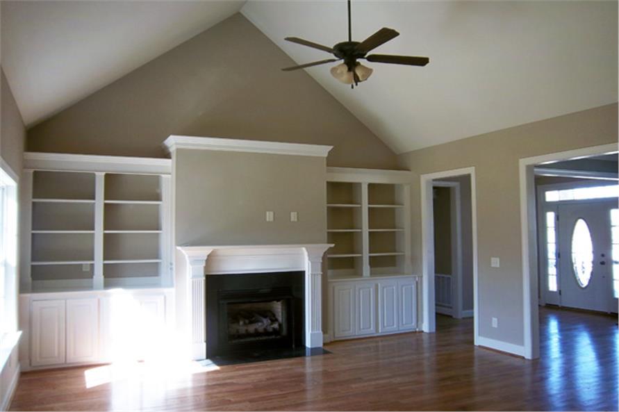 141-1144 house plan family room