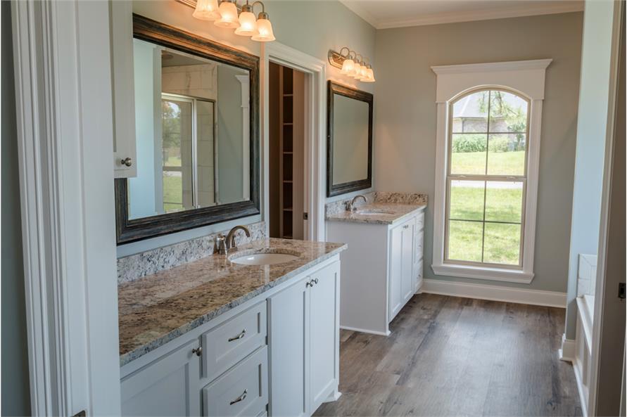 142-1069: Home Interior Photograph-Master Bathroom