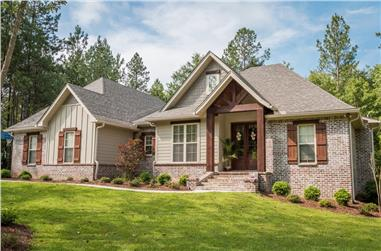 3-Bedroom, 1769 Sq Ft Traditional Home Plan - 142-1075 - Main Exterior