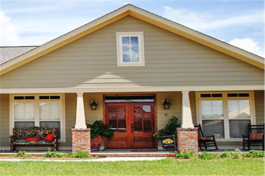 142-1082: Home Exterior Photograph-Front Door
