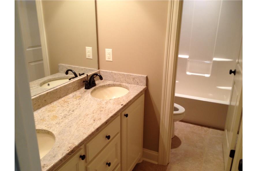 142-1087: Home Interior Photograph-Master Bathroom