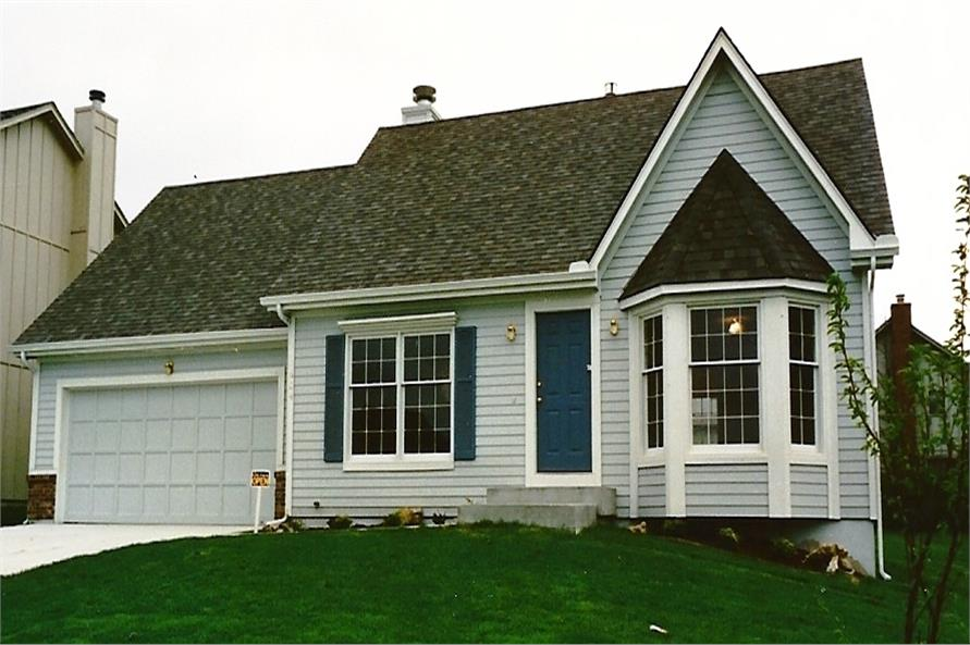 Color photo of House Plan #147-1004