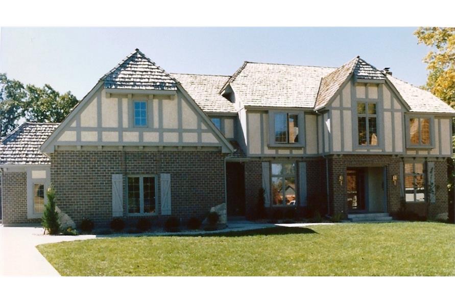 147-1078: Home Exterior Photograph