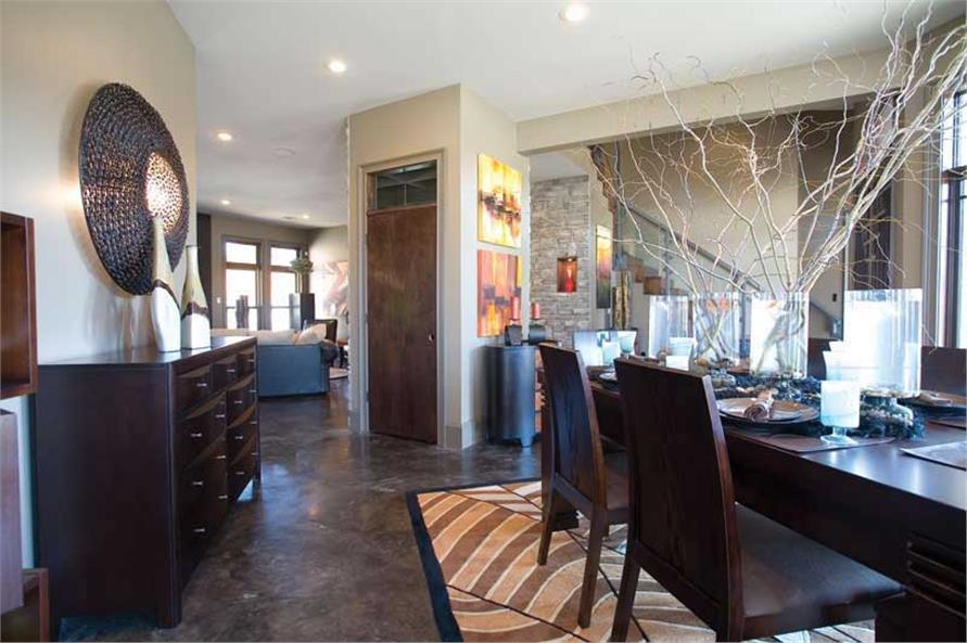 Dining & Foyer