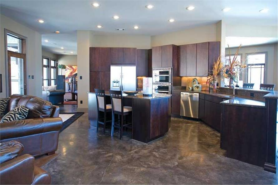 Kitchen & Hearth Room
