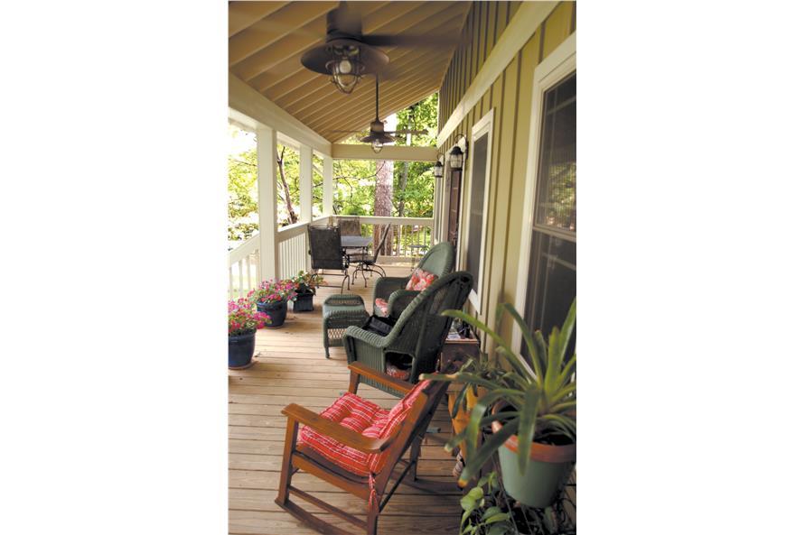 153-1871: Home Exterior Photograph-Porch