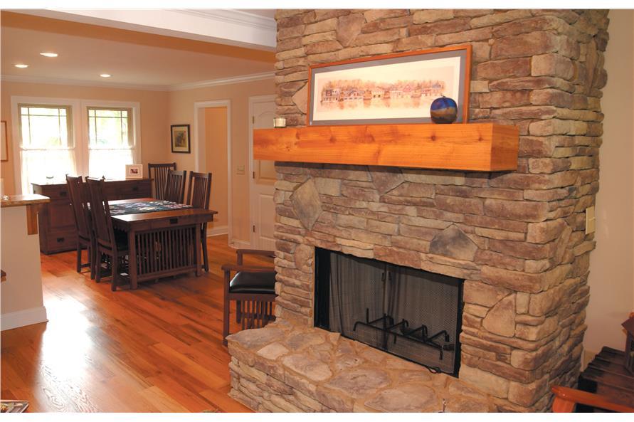 153-1871: Home Interior Photograph