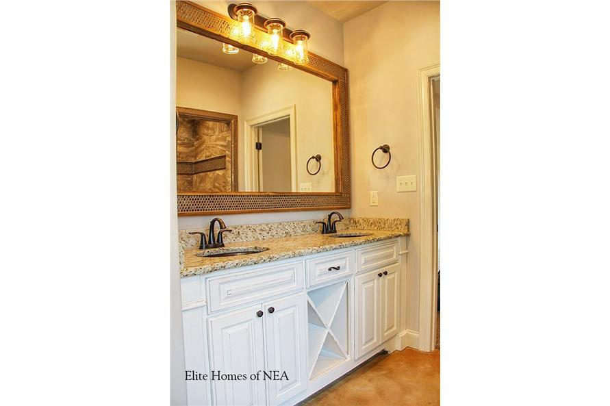 153-1990: Home Interior Photograph-Bathroom