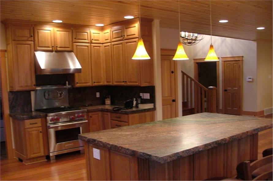 163-1051 kitchen photo