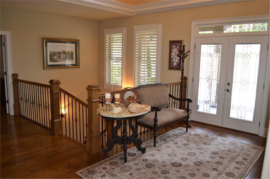 163-1055: Home Interior Photograph-Entry Hall: Foyer