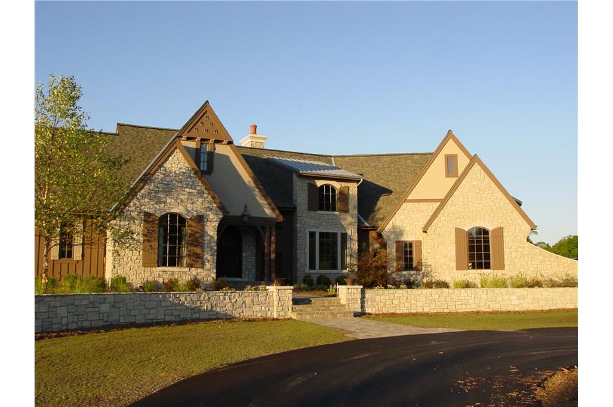 168-1104: Home Exterior Photograph